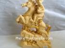 Khỉ ôm ấn vàng cưỡi ngựa trên thái sơn – Mã thượng phong hầu K008M