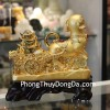 Chó vàng kéo xe tiền C023A