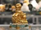 Chó vàng nhỏ trên bao tải tiền C033A