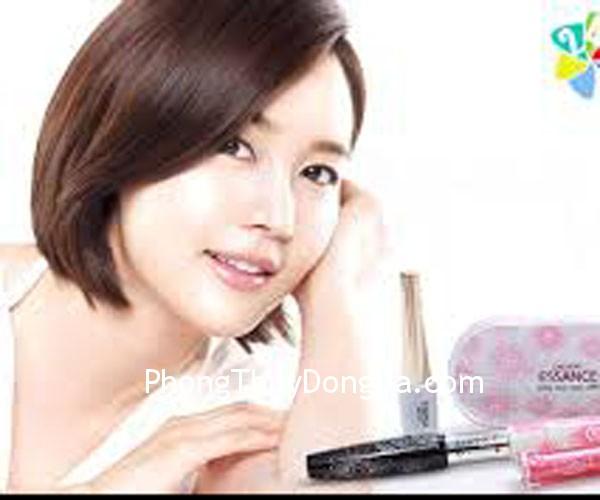 dep1 Dùng mỹ phẩm để tạo nét cân đối cho khuôn mặt
