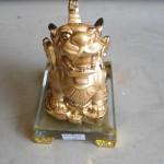 H149 1 150x150 Tỳ hưu vàng trên đế thủy tinh   tỳ hưu chiêu tài H149G