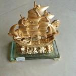 h453 2 150x150 Thuyền buồm vàng nhỏ H453G