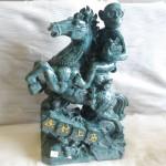K004 2 150x150 Khỉ ôm túi vàng cưỡi ngựa trên núi  Mã thượng phong hầu K004M