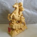 K008 1 150x150 Khỉ ôm ấn vàng cưỡi ngựa trên thái sơn   Mã thượng phong hầu K008M