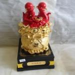 K029 2 150x150 Gia đình khỉ đỏ trên túi vàng   đời đời vượng tài K029M