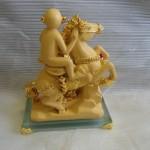 K103 150x150 Khỉ tài lộc cưỡi ngựa to   mã thượng phong hầu K103M