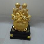 k028 12 150x150 Gia đình khỉ vàng trên túi vàng  đời đời vượng tài K028M