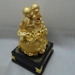 k0282 150x150 Gia đình khỉ vàng trên túi vàng  đời đời vượng tài K028M
