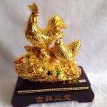 g008 2 150x150 Gia đình gà trên tảng đá vàng G008A