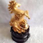 g110 1 150x150 Ngựa vàng trên như ý vàng đế tròn G110A