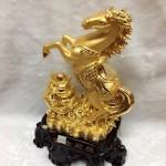 g108 1 150x150 Ngựa vàng trên nguyên bảo lớn G108A