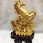 g108 150x150 Ngựa vàng trên nguyên bảo lớn G108A