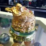 K147 1 150x150 Thiềm thừ vàng, đế thủy tinh K147M
