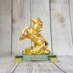 ln134 ngua vang nho 2 150x150 Vua ngựa vàng lưng hồng ngọc LN134