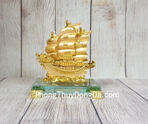 ln146 thuyen buom rong nho 2 Thuyền vàng căng buồm lướt sóng LN145